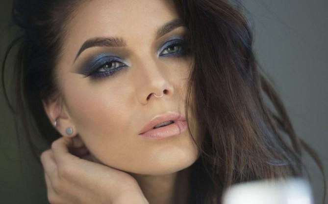 Maquillaje de fantasia en tonos azules