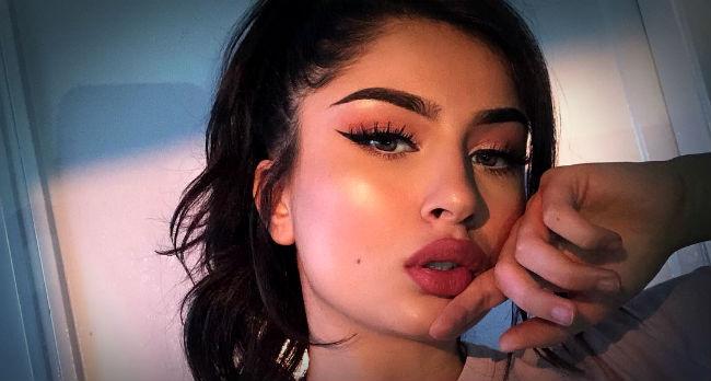 labios-voluminosos-con-maquillaje